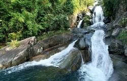Thác Khe Vằn: Điểm du lịch hút khách ở vùng cao